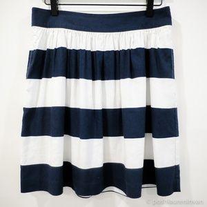 BANANA REPUBLIC Preppy + Striped Flare Skirt – 4